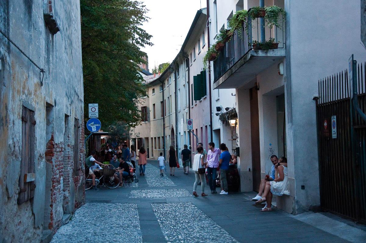 People having a good time, Mediaevil Fair, Castelfranco ...